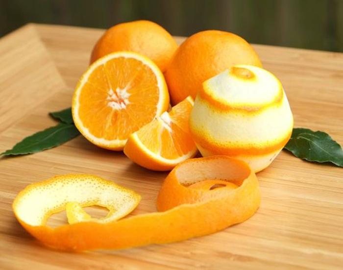 Dùng vỏ cam để trị mụn trứng cá