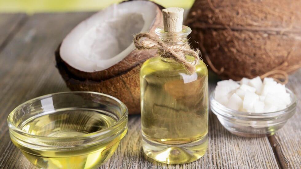 Dầu dừa có chứa các thành phần chống oxy hóa, chất dưỡng ẩm thúc đẩy tái tạo tế bào da